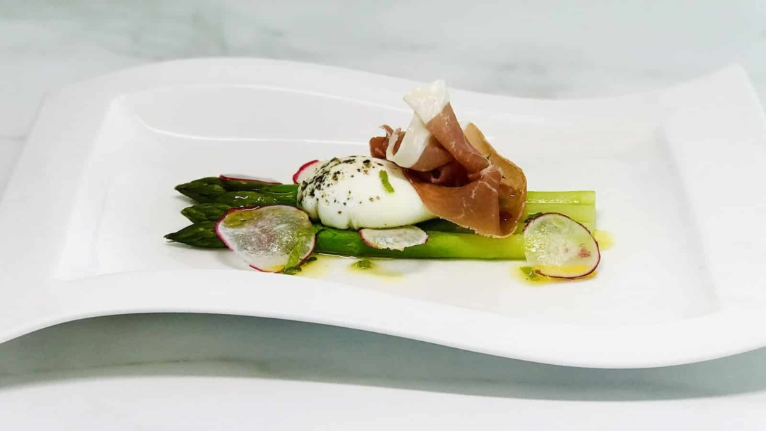 asperges oeuf mollet